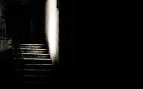 escalier obscur.jpeg
