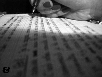au magma présent de l'écriture,marginal,émerveillement,regarder,loin,verser,ailleurs,visibilité,moner,plton,grandeur,immatérialité,lumineux,incessant,renouvellement,vague,lesté,inertie,rien,service,privation,propret,jouissance,script,diogène,animation,belle,accélération,pensée,agitateurateur,dédordre,pointer,mise à nu,crispation,amical,résolument,poétique,évanescence,subtilité,teinture,maniéré,esquisse,saisie,intensif,prêtre,pâtre